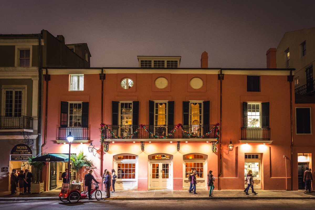 Exterior brennan 39 s restaurant a new orleans tradition for Tattoo shops french quarter new orleans