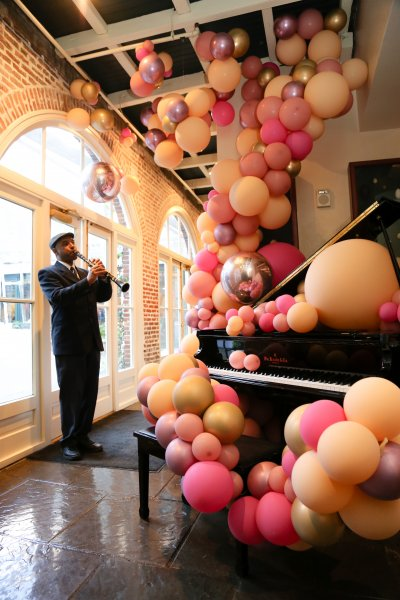 Guests were greeted by Badass Balloon Co. installation and live jazz music