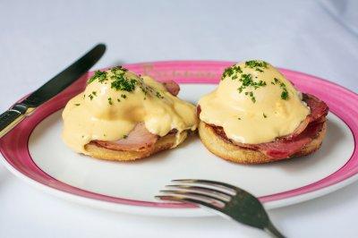 Artisanal Eggs Benedict